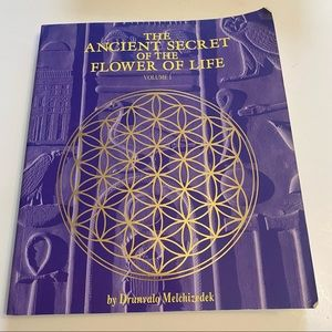 The Ancient Secret of the Flower of Life Volume One by Drunvalo Melchizedek